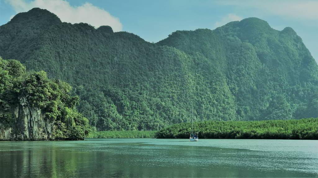 Tha Lane Bay kayaking krabi thailand