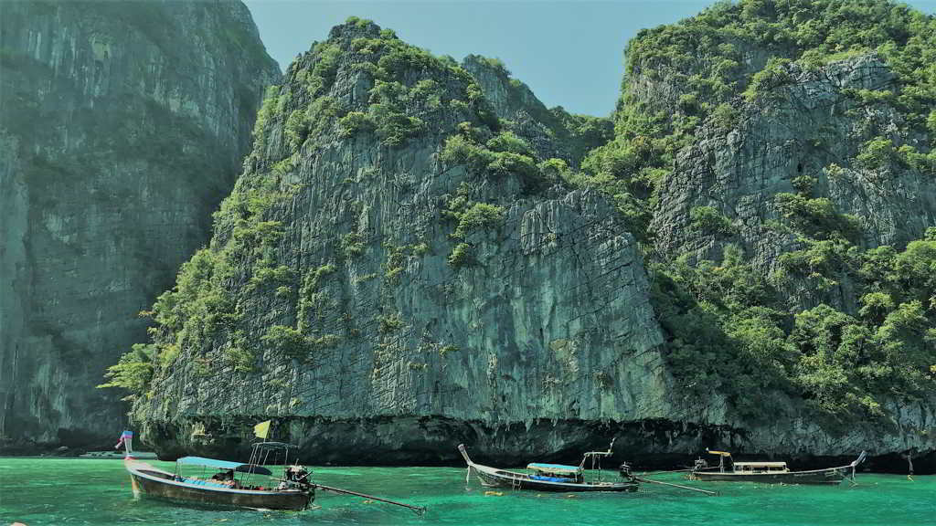 phi phi islands krabi thailand