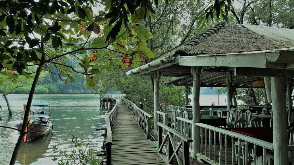 thalan bay kayaking krabi thailand
