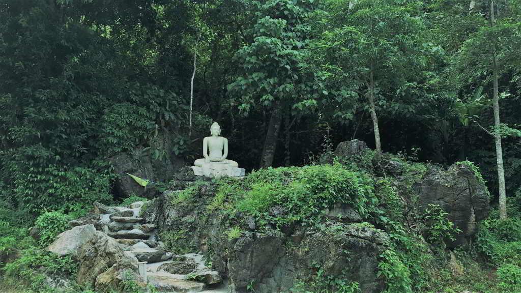 where is Reclining buddha in Krabi Thailand