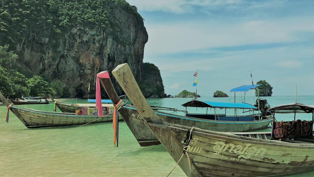 where is railay beach