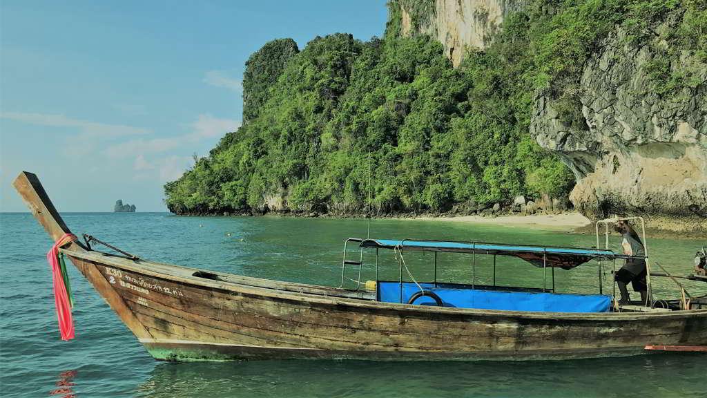 hong island trip krabi thailand