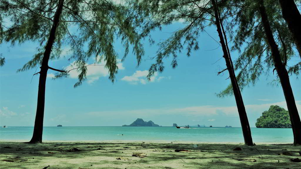 how to get Nopparat tara beach by motorbike rental krabi thailand