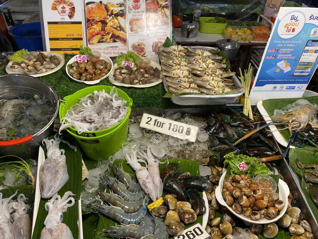 ao nang night market krabi