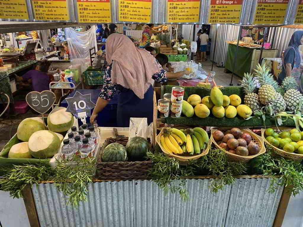 aonang night market krabi